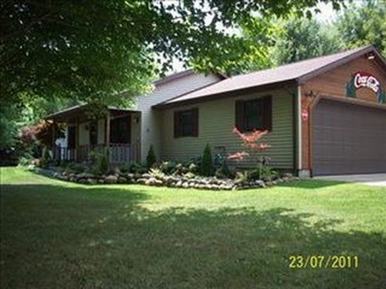 37 Hillcrest Ct, Conneaut, OH 44030