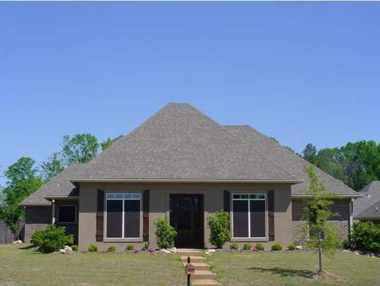 101 Rockbridge Cir, Clinton, MS 39056