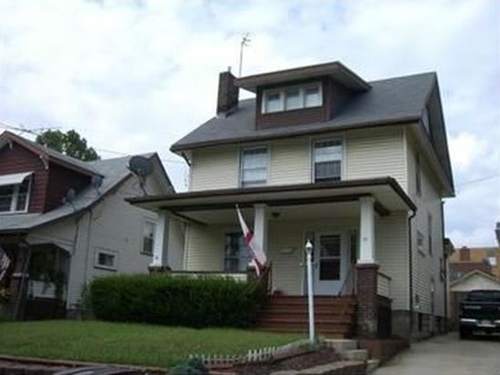 72 Woodrow Ct, Sharon, PA 16146
