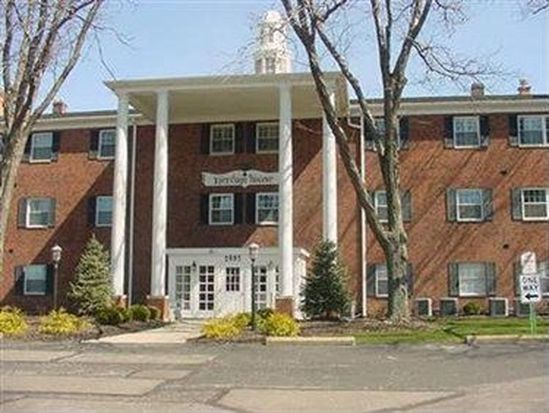 2885 Pease Dr APT 209, Rocky River, OH 44116