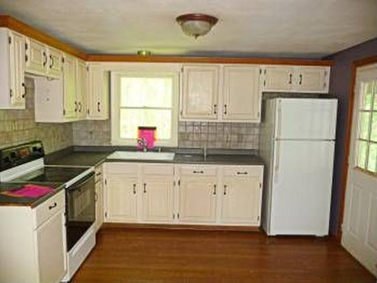 7 Thornell Rd, Newton, NH 03858