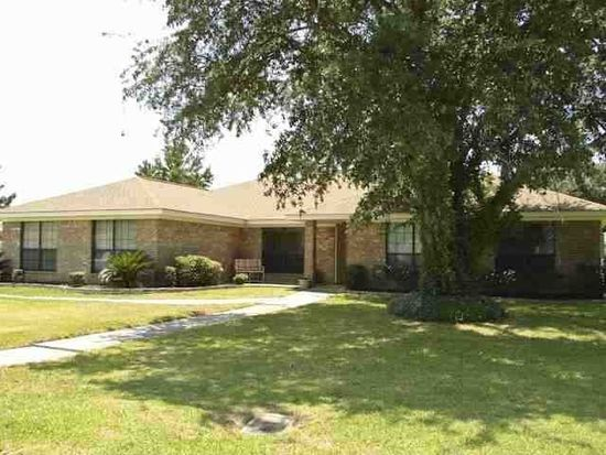 4420 Willow Bend Dr, Beaumont, TX 77707