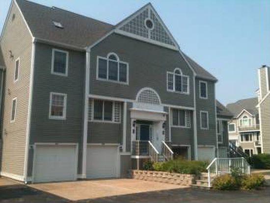 700 Shore Dr UNIT 808, Fall River, MA 02721