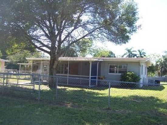 2660 Elmwood St, Fort Myers, FL 33901