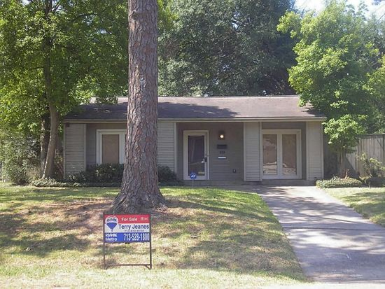 939 Gardenia Dr, Houston, TX 77018