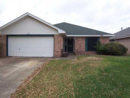 1209 Meadowridge Dr, Beaumont, TX 77706