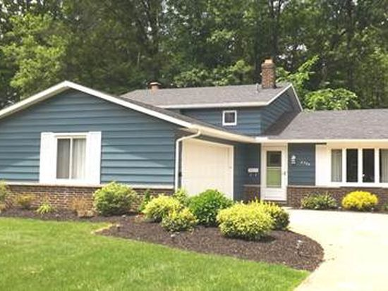 8504 Brentwood Dr, Olmsted Falls, OH 44138