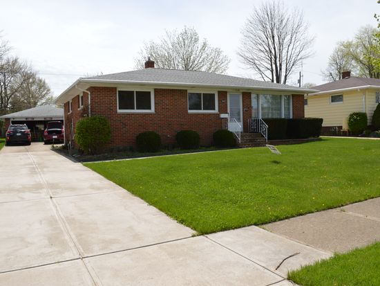 2965 Augustine Dr, Parma, OH 44134