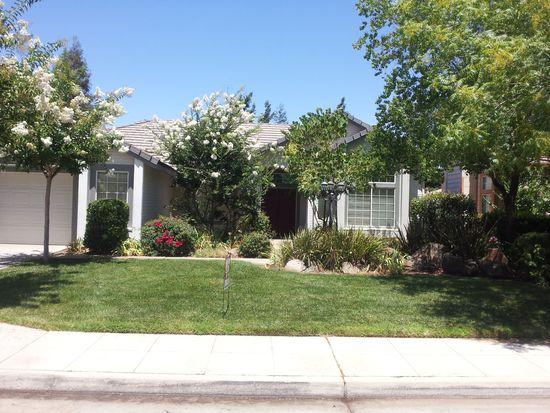 2051 Decatur Ave, Clovis, CA 93611