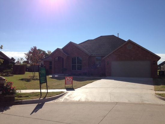 534 W Pawnee Court Way, Mustang, OK 73064