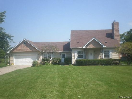 3235 Hickory Lawn Rd, Rochester Hills, MI 48307
