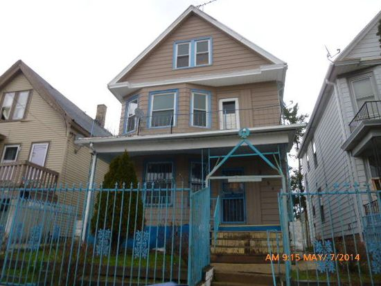 2554 S 6th St, Milwaukee, WI 53215