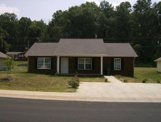 1015 Berry Trail Dr, Sevierville, TN 37862