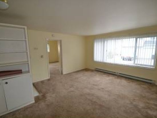 8816 9th Ave SW APT 7, Seattle, WA 98106