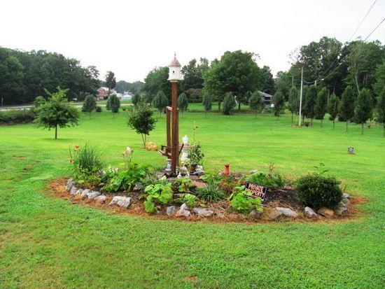 7832 Oak Level Rd, Bassett, VA 24055