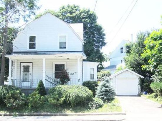 35 Miller Stile Rd, Quincy, MA 02169