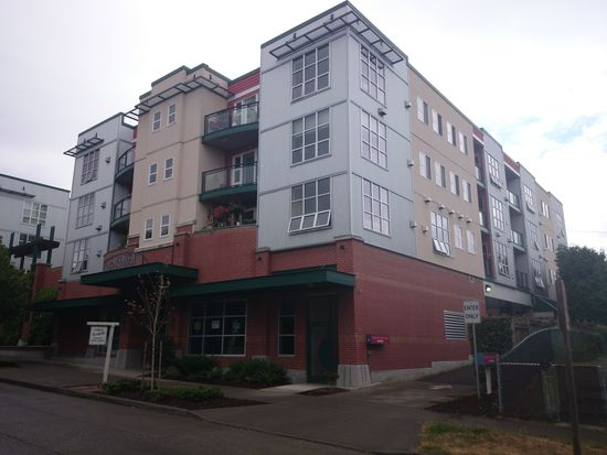 2331 42nd Ave SW APT 217, Seattle, WA 98116