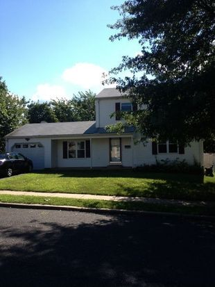32 Kee Ave, Somerset, NJ 08873