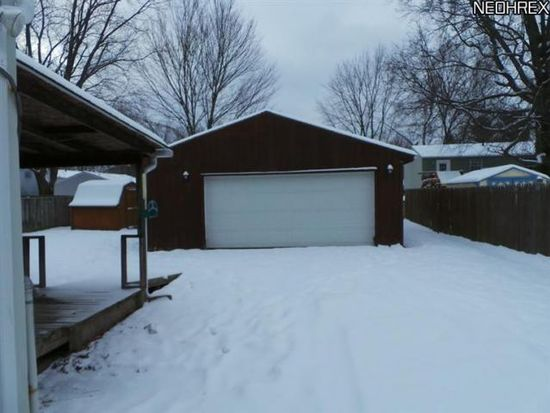 655 Midway Dr, Ravenna, OH 44266