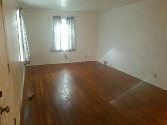 434 Sharon New Castle Rd, Farrell, PA 16121