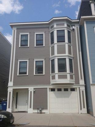 138 W 3rd St, South Boston, MA 02127