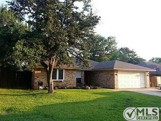 906 Johnsbury Ln, Mansfield, TX 76063