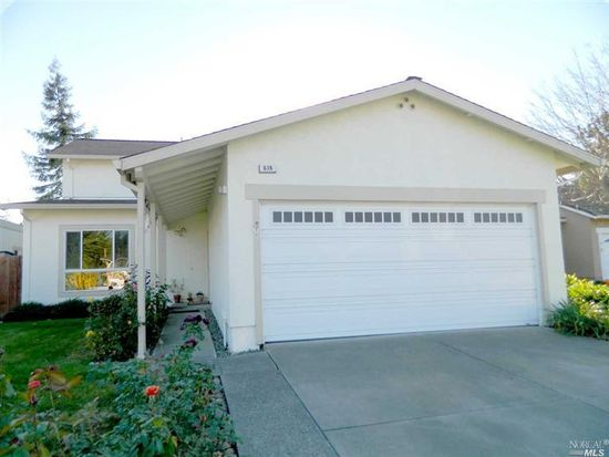 636 Cascade Ct, Petaluma, CA 94954