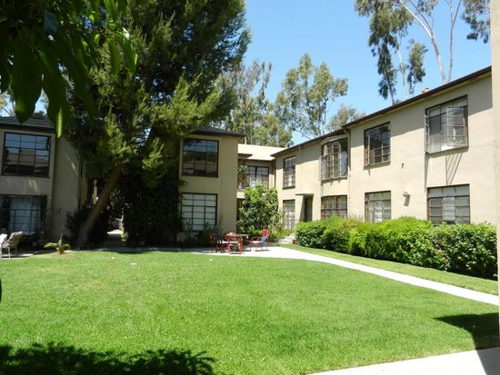 925 N Sweetzer Ave APT 4, West Hollywood, CA 90069