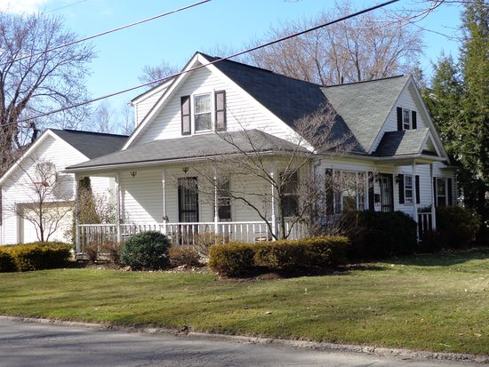 698 S 7th St, Sharpsville, PA 16150