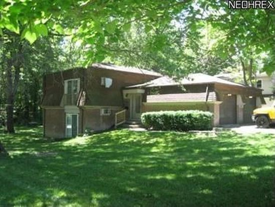 2068 Marhofer Ave, Stow, OH 44224