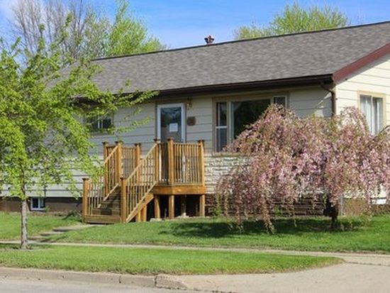 1710 7th Ave NW, Minot, ND 58703