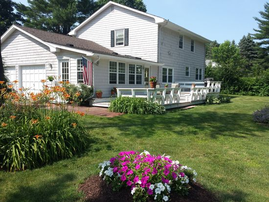 3 Maize Ln, East Granby, CT 06026