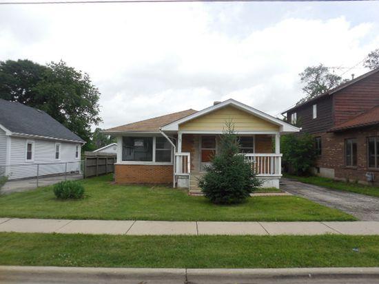 792 Stewart Ave, Elgin, IL 60120