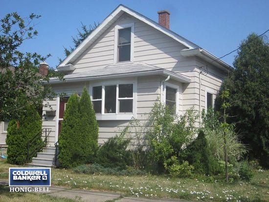 1016 Indiana Ave, Saint Charles, IL 60174