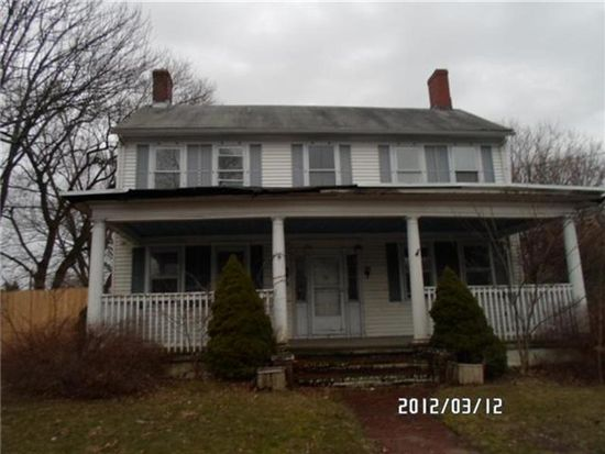 434 Newport Ave, Attleboro, MA 02703