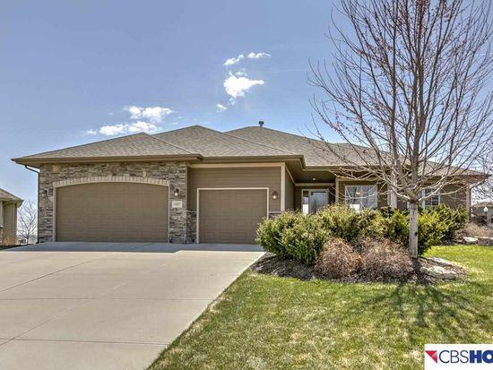 16807 Cady Cir, Omaha, NE 68116