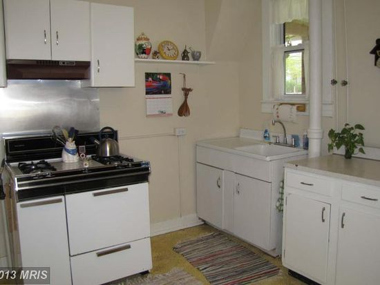 156 Collins Ave, Baltimore, MD 21229
