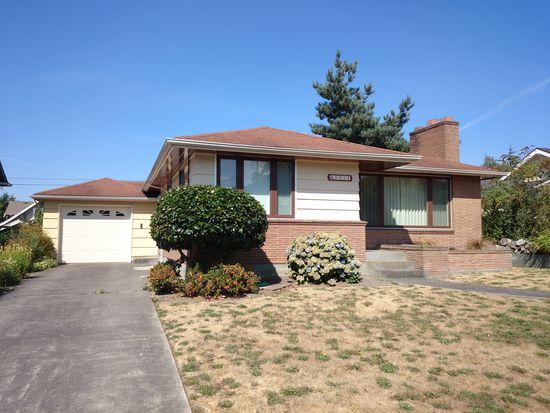 5911 44th Ave SW, Seattle, WA 98136