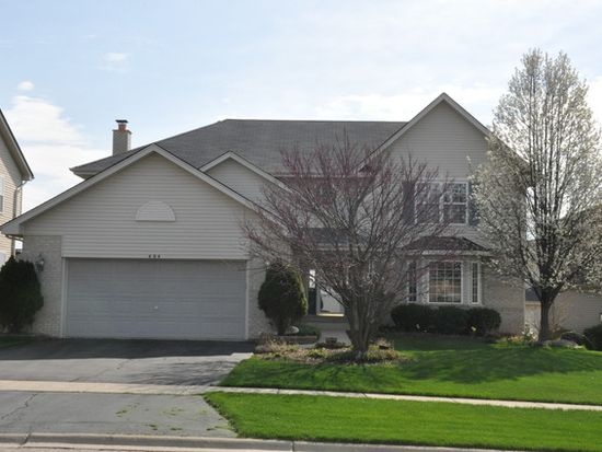 404 Greenbriar Dr, Glendale Heights, IL 60139