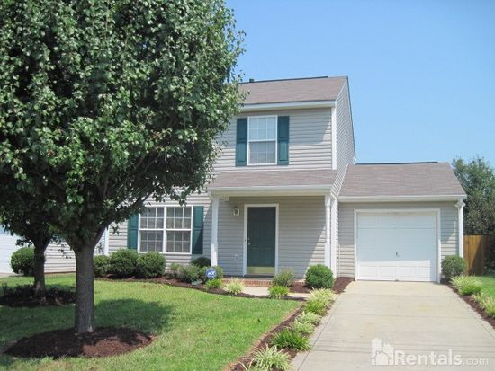 931 Lakehill Rd, Charlotte, NC 28214