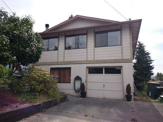 3949 SW Monroe St, Seattle, WA 98136