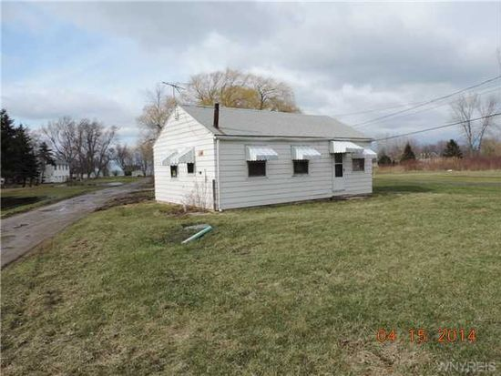 2137 Lake Rd, Ransomville, NY 14131