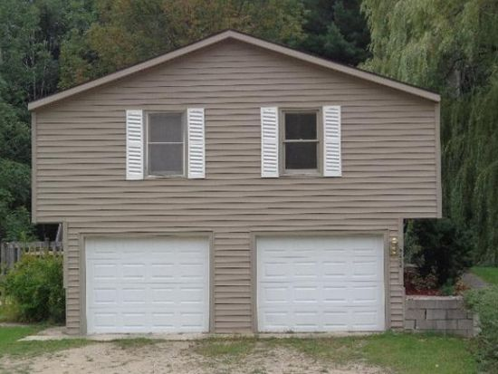 6228 Peggy Ln, Traverse City, MI 49685