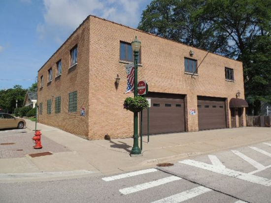 22 Spring St, Cary, IL 60013