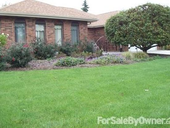 10S240 Terry Trl, Willowbrook, IL 60527
