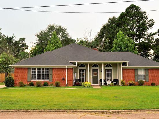 905 Sycamore St, Tupelo, MS 38801