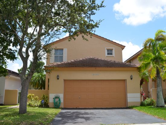 18960 NW 22nd St, Pembroke Pines, FL 33029