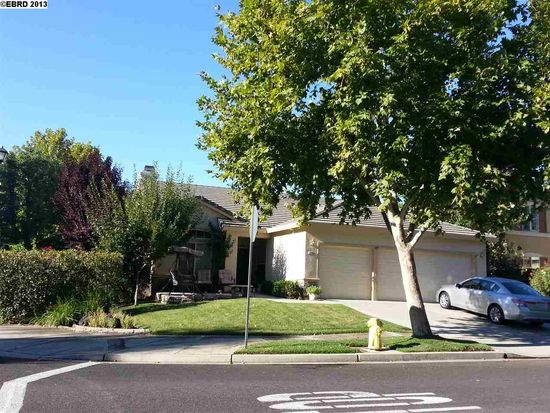 2166 Newton Dr, Brentwood, CA 94513