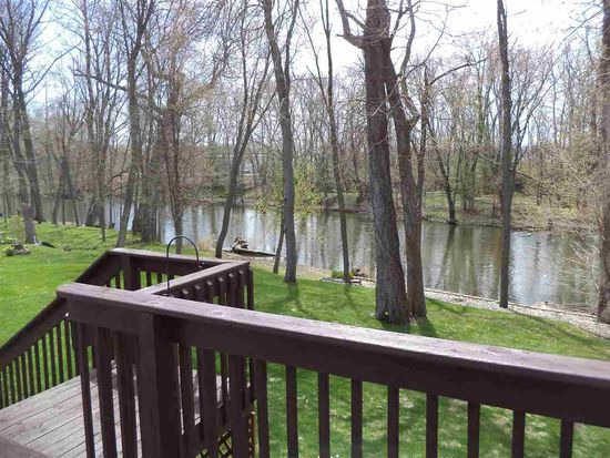 20916 Rivers Edge Dr, Goshen, IN 46528