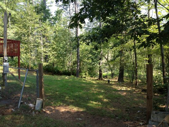 5 Valley St, Londonderry, NH 03053